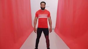 Red 5-stripe s/s tee. Black/red Billboard legging.